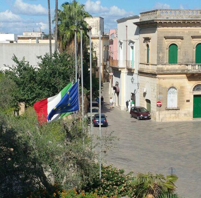 Porta di mare bandiere a mezz 39 asta in municipio ecco la - Porta di mare cronaca nardo ...