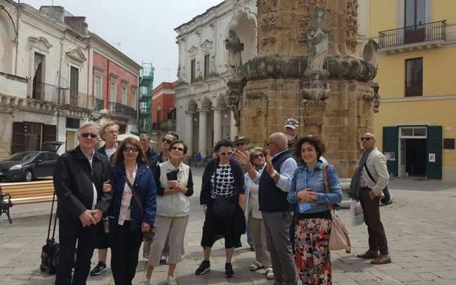 Porta di mare foto la piazza e il centro storico - Porta di mare cronaca nardo ...