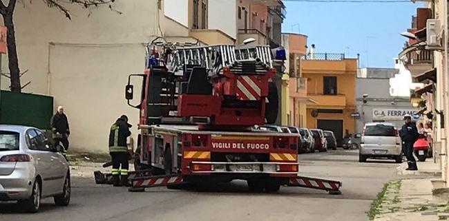 Porta di mare vigili del fuoco in azione a nard anche - Porta di mare cronaca nardo ...